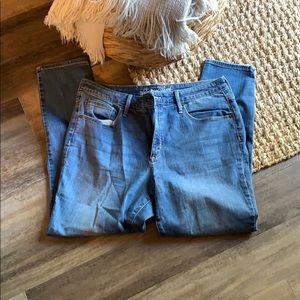Universal thread blue jeans